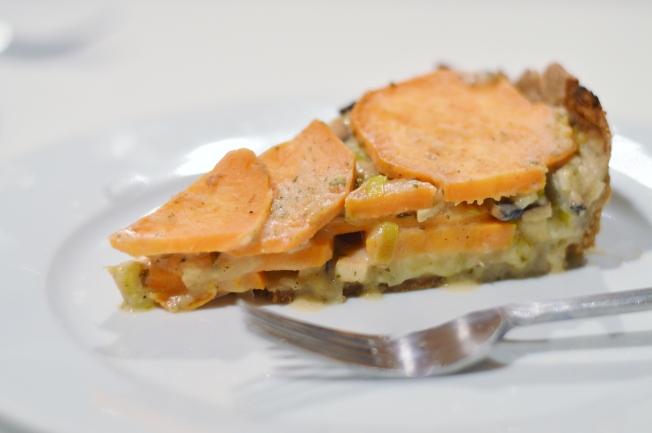 Vegane Süßkartoffel-Rosenkohl-Lauch-Quiche