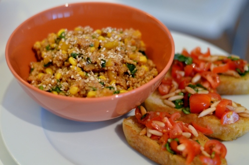 Veganer Couscous Salat mit Bruschetta aus Vegan for Youth